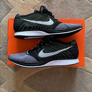 Men's Nike Flyknit Racer shoes size 10